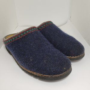 $5 sale Lands End wool slippers size 7